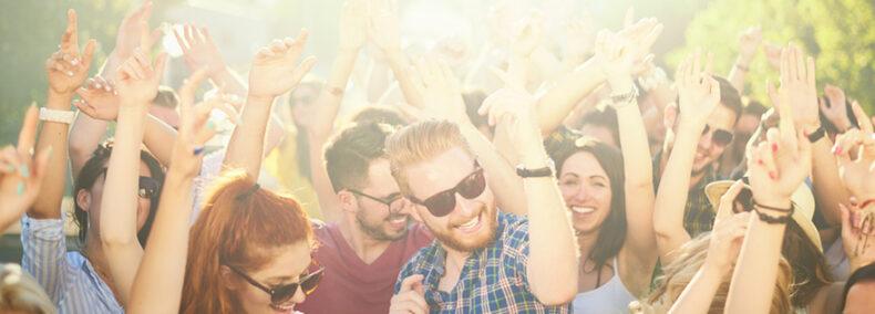 Der Partyiator on stage: Ich wünsche Euch ein geiles Leben… lebt ES!
